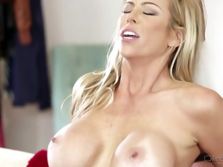 Horny MILF Gets Thrilling Trail