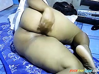 Asian girl showing big thick ass on webcam